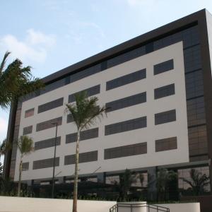 portfolio curitiba office 197dbd008684222cf96393ccae2be173 300x300 100 crop Comercial
